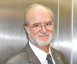 Mensalão tucano do PSDB continua engavetado na Justiça de Minas Gerais